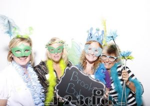 Chic Brooks Photoboothimage with four women in costume
