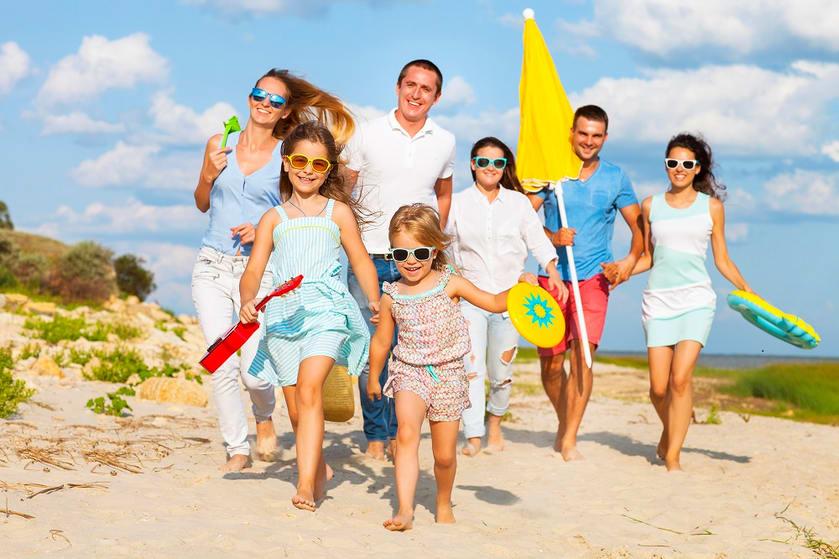 Family vacation at beach 2